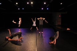 """(dis)connect"" , PC: Amy Smith, Dancers: Rice Dance Theatre"